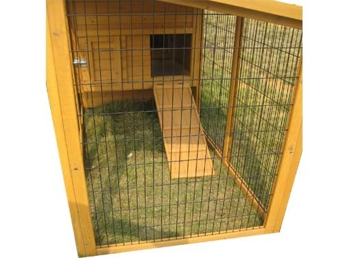 Buckingham Portable - 8ft Large Fox Resistant Chicken Coop interior