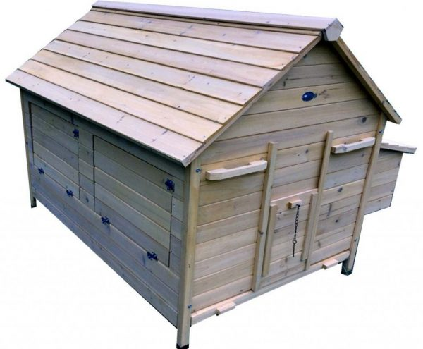 Nelly Air Portable - Fox Resistant Chicken House left